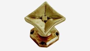 butée au sol diamant sculpture